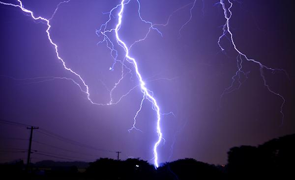 電流と電圧について