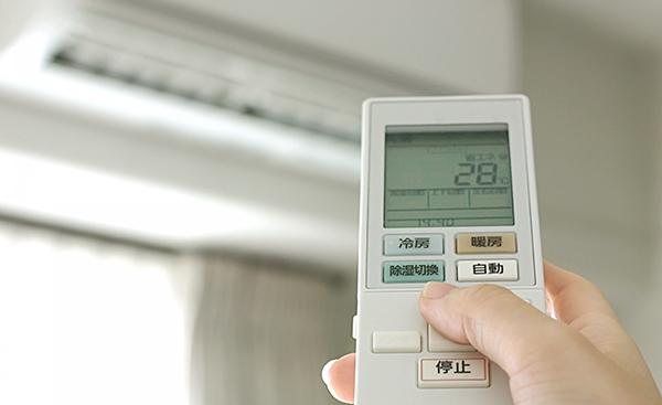 真夏のエアコン節電はやってはいけない?