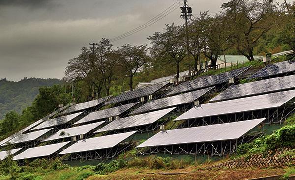太陽光発電の設置禁止区域を定めた自治体とは?