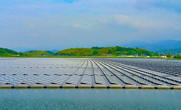 水上型太陽光パネルは救世主になりうるのか?