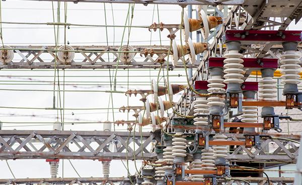 電気の直流と交流について