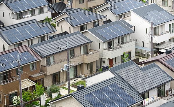 東京都が家庭の太陽光電力を活用するというニュース